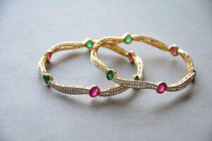 Les bijoux sont souvent un cadeau très apprécié